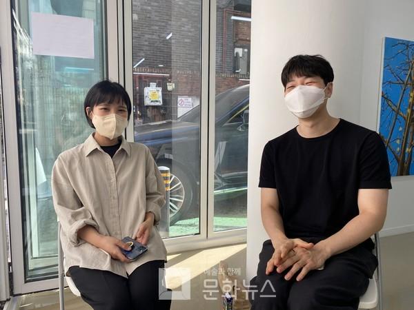 왼쪽부터, 임지민 작가와 김대유 작가